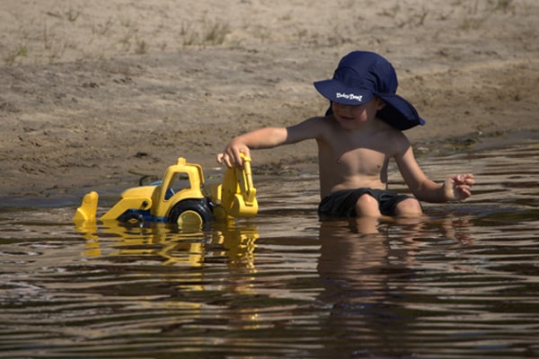 boy-playing-in-the-water